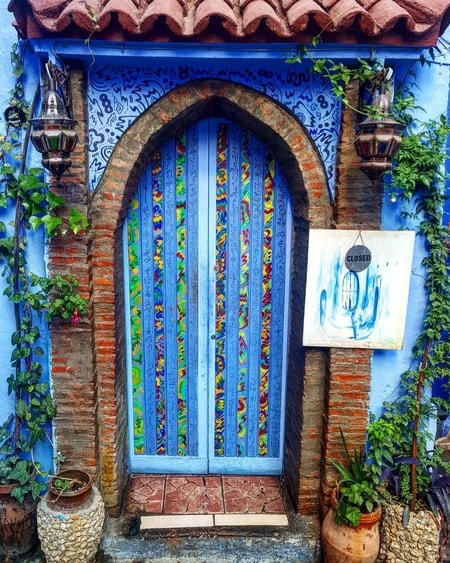 day trip to the blue city chefchaouen Z9C7W.jpg